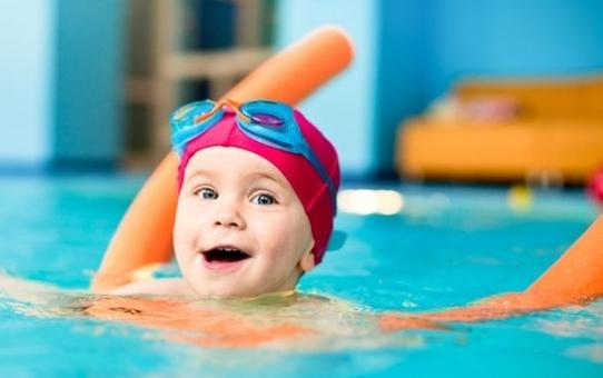 Παιδί και κολύμπι