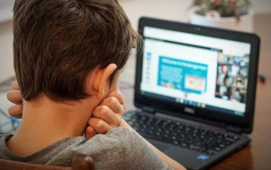 Παιδιά και τηλεκπαίδευση